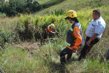 Hallan a mujer maniatada y enterrada en matorral de Las Dalias