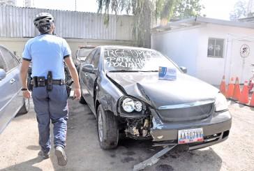 Estrellaron un carro robado al ver a la policía en Palo Alto