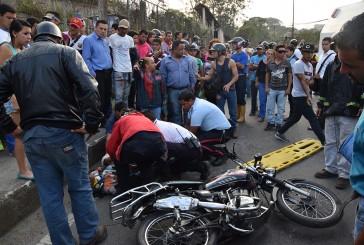 Fallece una adolescente en accidente de moto