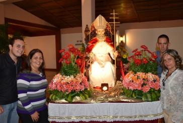 Devotos piden salud y paz a San Pedro en su día