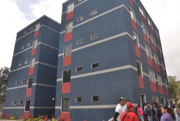 Entregan 20 apartamentos  en urbanismo El Paso