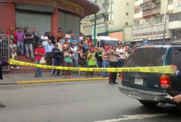 Asesinan a comerciante dentro de su vehículo en Catia