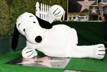 Snoopy recibe su estrella en el Paseo de la Fama