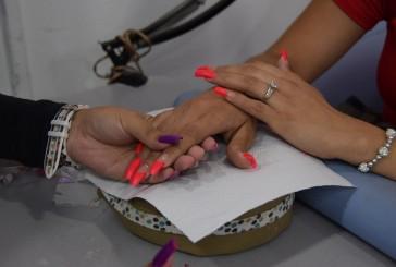 Hasta 85% subieron materiales para uñas acrílicas