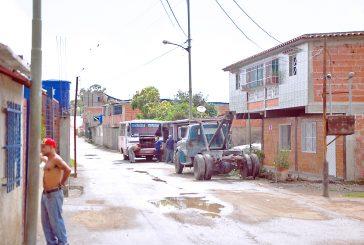 A Barrio Miranda II el agua llega cada ocho días