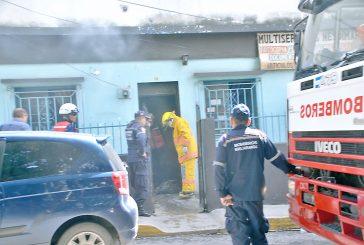 Abuelita por poco quema su casa al prender un velón