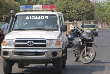 Dos policías heridos