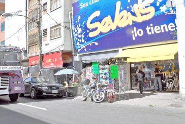 Asaltaron tienda de ropa en la Miquilén
