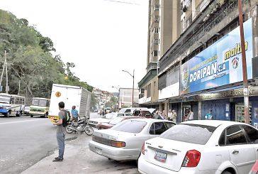 Un policía abatió a dos pistoleros en panadería
