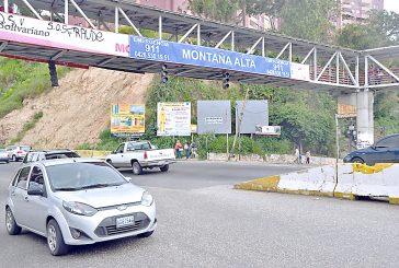 Caos por falla en semáforo de Montañalta