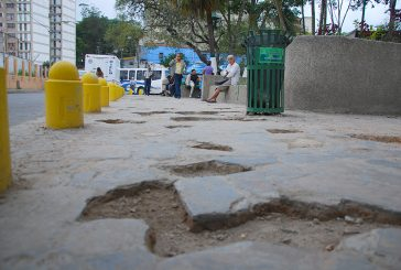 Denuncian daños en plaza Miranda
