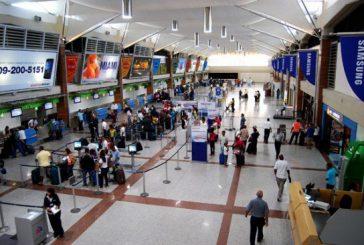 Cancelan seis vuelos en aeropuerto dominicano por avance del huracán Matthew
