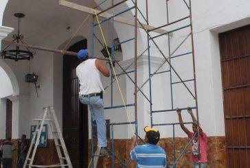 Remozan principal templo de Carrizal en preparación a reinauguración de Plaza Bolívar