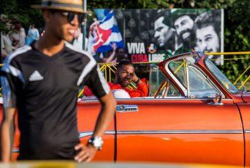 En Cuba, los turistas se topan con un momento histórico luego de la muerte de Fidel