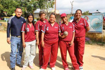 Conductoras cargaron con la copa Mantenimiento de bolas criollas 2016