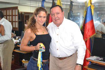 Carrizaleña Andrea Garrido se trajo al municipio seis medallas de natación