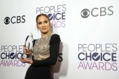 Sofía Vergara y J-Lo deslumbraron en los People's Choice Awards