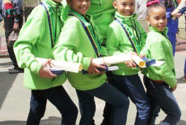 Atletas de Gimnasia Rítmica y Natación con Aletas fueron condecorados