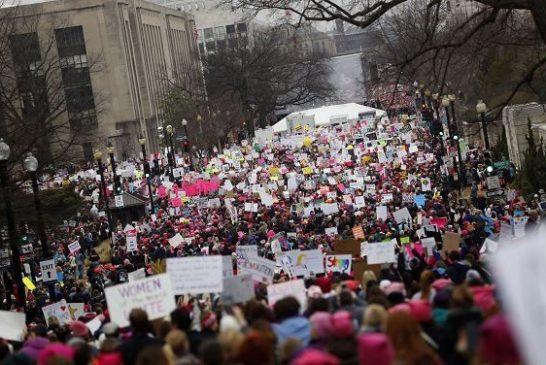 Miles de mujeres en Washington protagonizaron marcha contra Trump