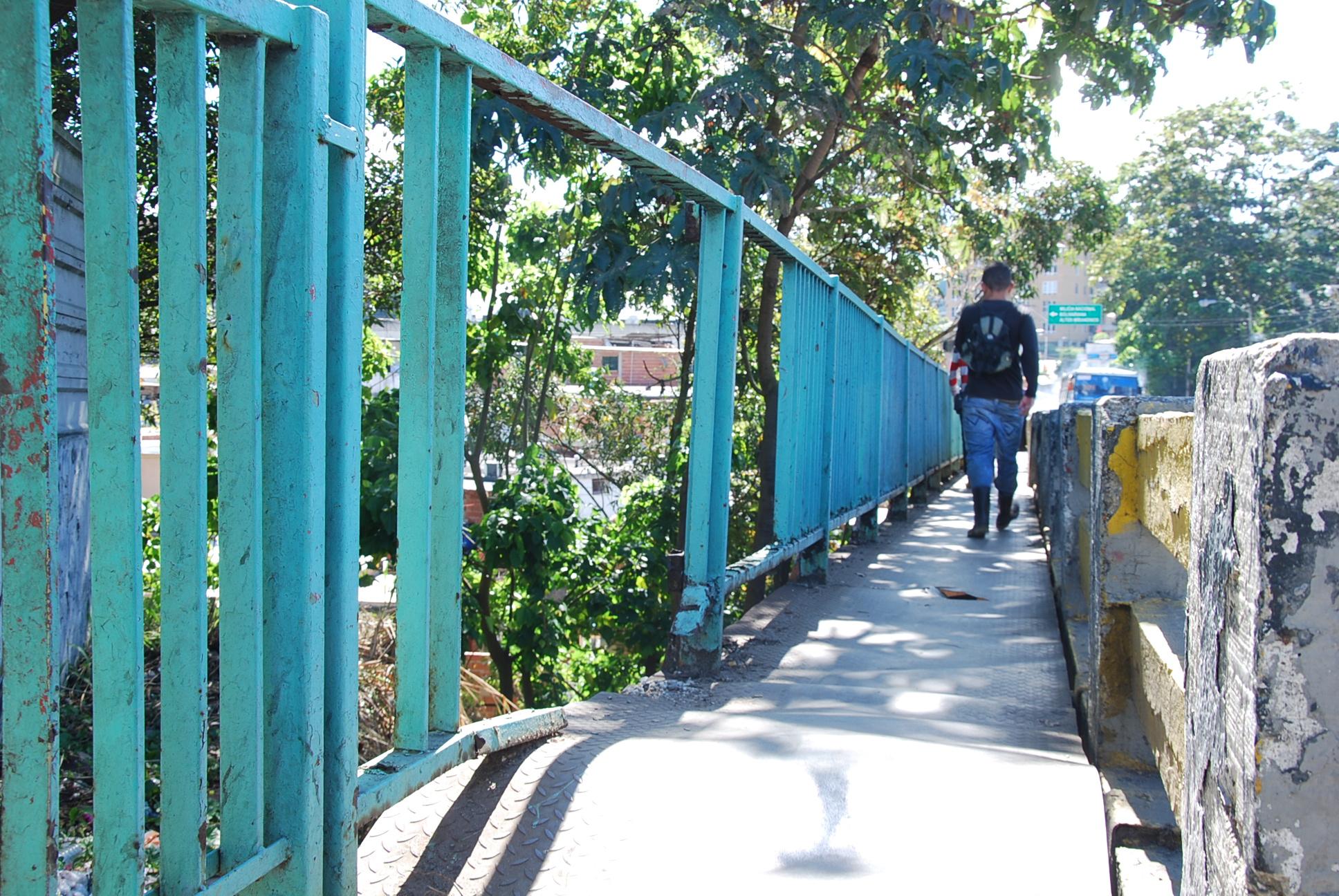 En mal estado puente de la Pedro Russo Ferrer