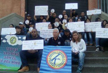Trabajadores de Kreisel protestan por falta de pago