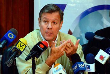 Olalquiaga: Nada hacemos importando productos para las bolsas de los CLAP