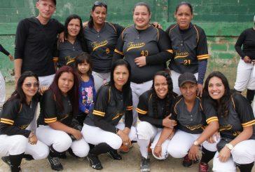 Chicas de Titanium se titularon en softbol B de Carrizal
