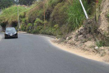 Fallas de borde y derrumbes invaden Vuelta Azul