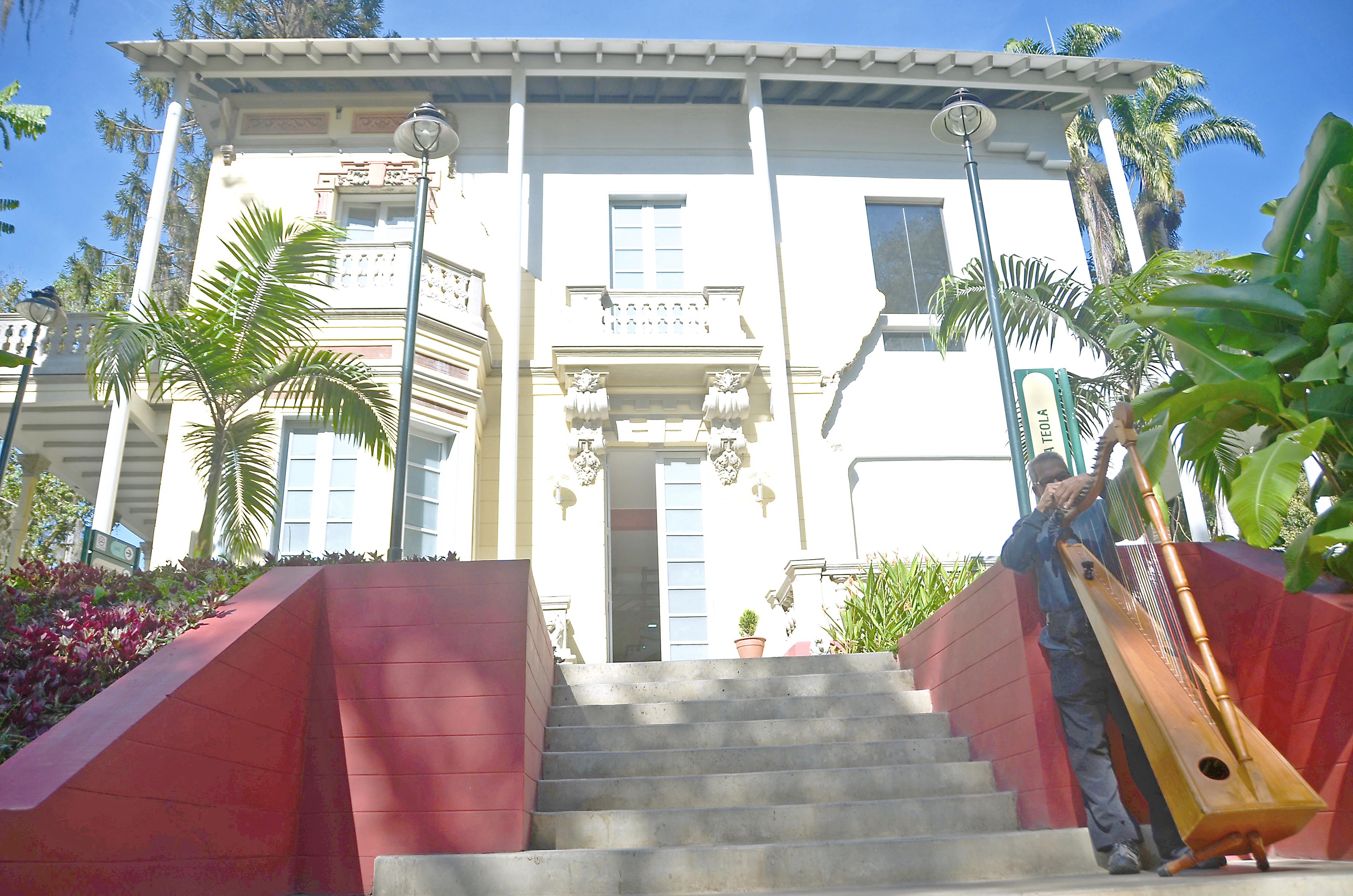 Talleres de música en Villa Teola buscan crear coro exclusivo
