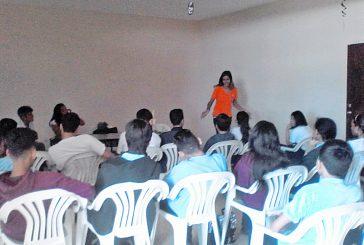 Mujeres Miranda promueve la no violencia entre jóvenes
