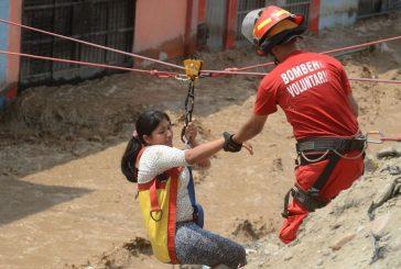 Sube a 75 muertos y 100.000 damnificados las víctimas de inundaciones en Perú