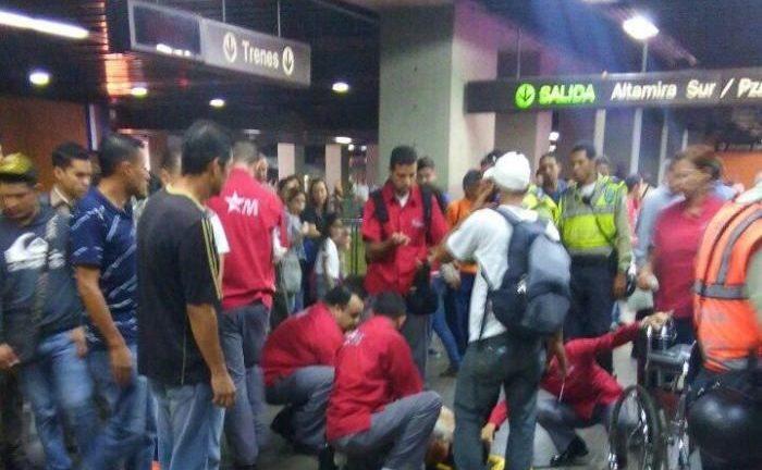 Un herido en la estación del Metro de Altamira por robo