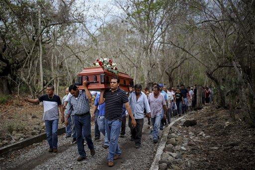 México: Hallan 47 cráneos en una fosa común en Veracruz