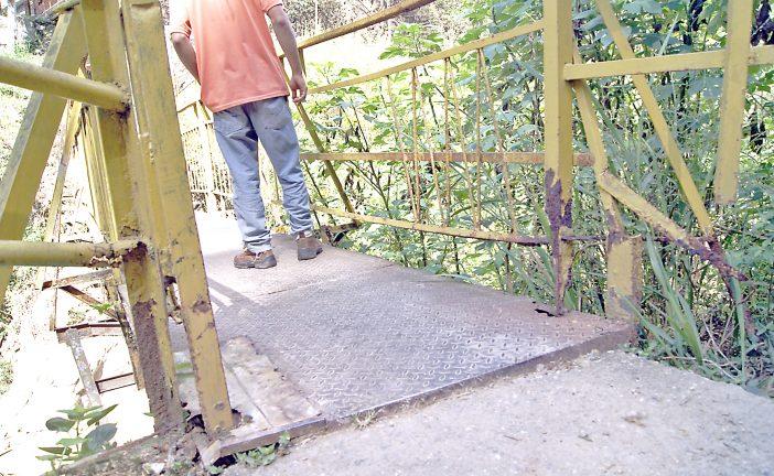 Solicitan sustitución de caminerías en El Chorrito