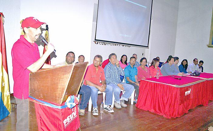Presentan equipos parroquiales