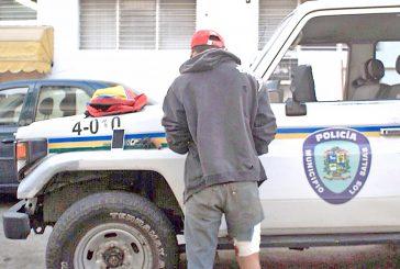 Polisalias le da un parado a atracador