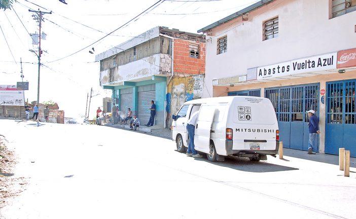 Servicios públicos funcionan bien en Vuelta Azul