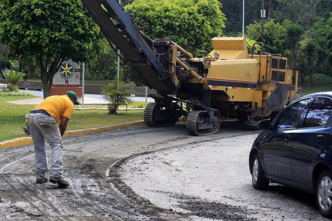 Invierten Bs. 115 millones para asfalto en Los Salias