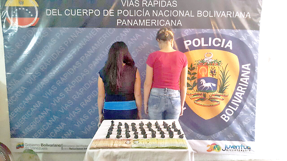 PNB detiene a tres féminas al descubrir alijos de droga