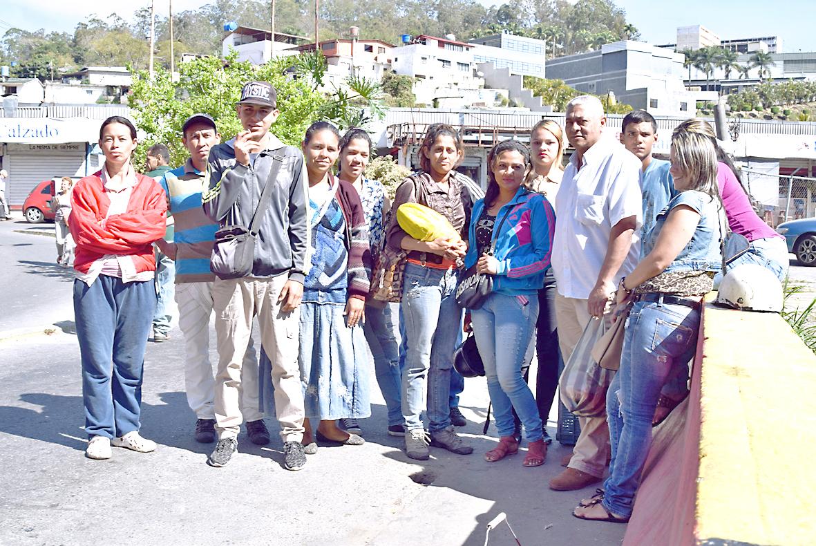 13 informales piden reubicación en el Mercado