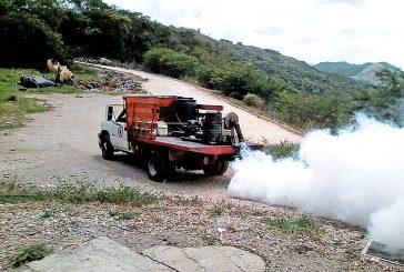 Buscan controlar la malaria con fumigación