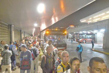 Protesta en Los Alpes generó retraso vehicular