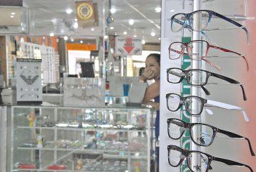 Comprar unos lentes está cuesta arriba