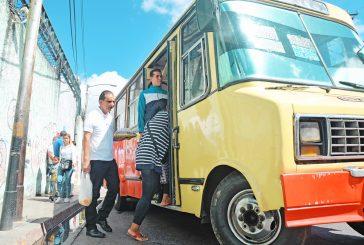 El servicio del transporte público colapsa en Carrizal