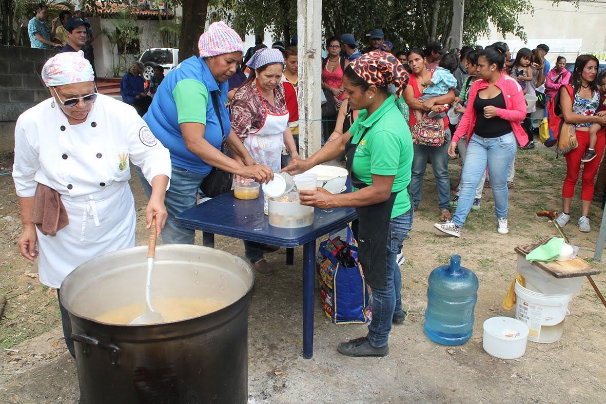 """400 personas se han beneficiado del programa """"Olla Solidaria"""" de Carrizal"""