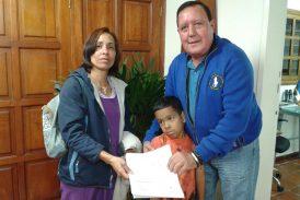 José Luis Rodríguez hizo donación a atleta de ajedrez mirandino