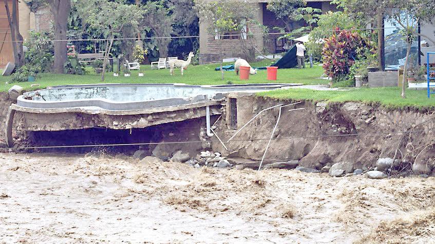 Crecida de río en Perú deja cuatro personas desaparecidas