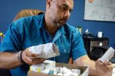 Abuelos Miranda adelanta donación de medicinas para enfrentar crisis farmacéutica