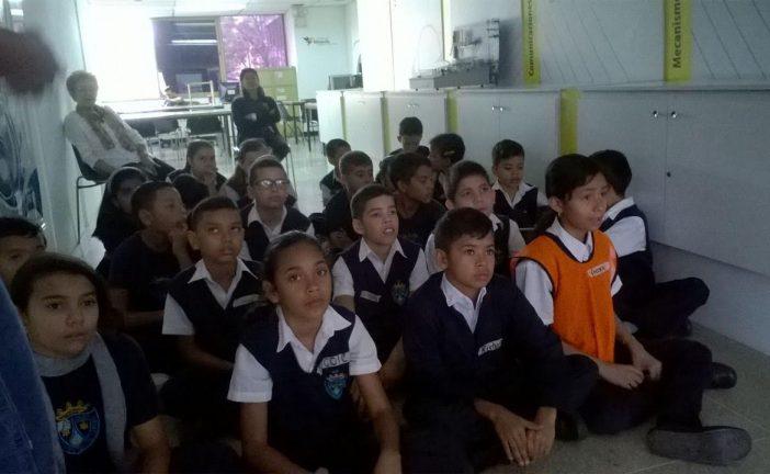 """""""Hablemos entre panas"""" llegó a escuela Nuestra Señora del Carmen"""