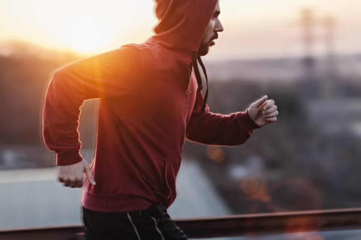 ¿Es mejor hacer ejercicio antes o después del desayuno?